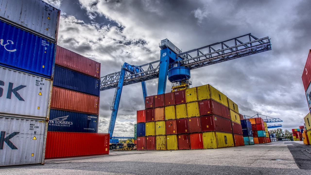 Interpelări Autorități: Containere deşeuri neconforme